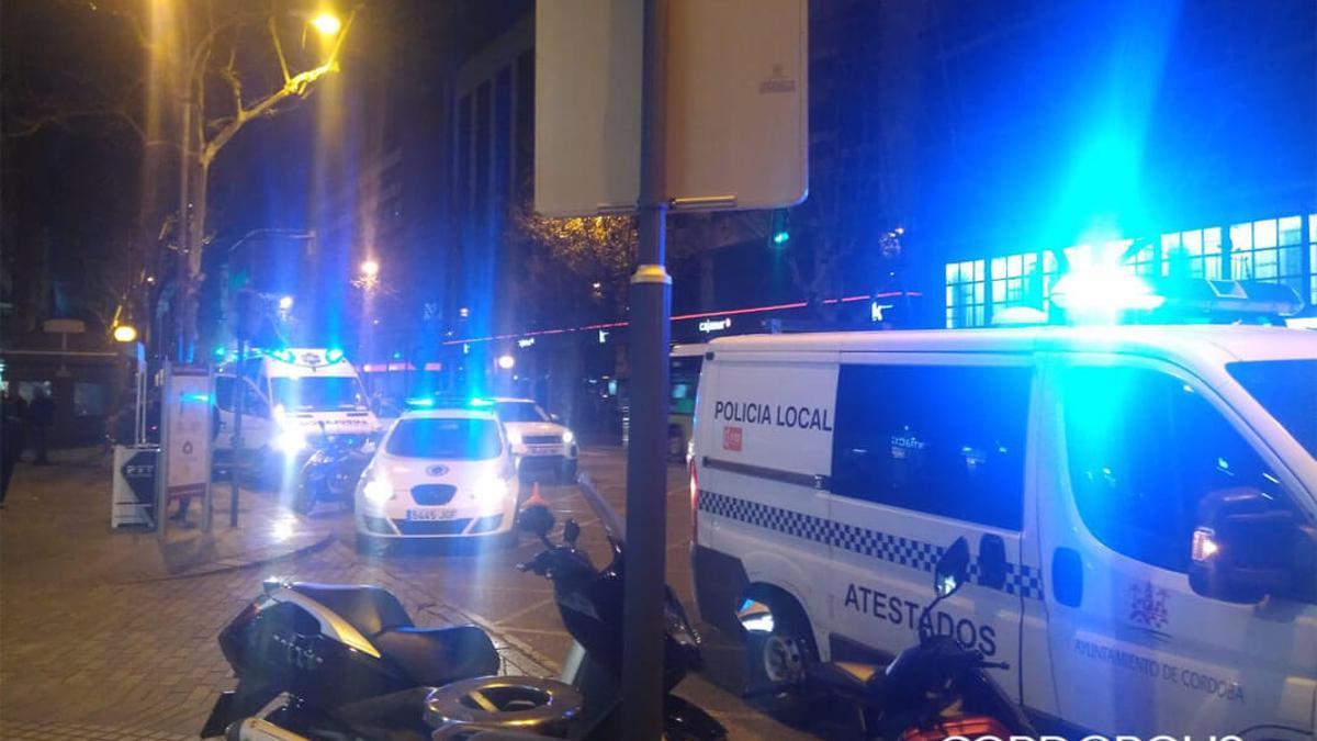Imagen de archivo de coches policiales y ambulancias.