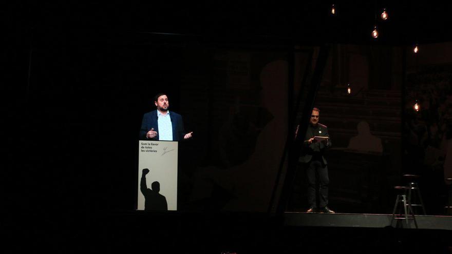 Holograma de Junqueras en la conferencia