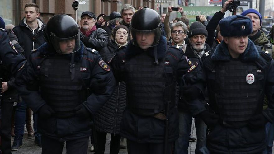 Varias decenas de detenidos en Moscú durante una protesta no autorizada