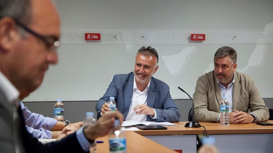 Ángel Víctor Torres en la reunión mantenida con los secretarios insulares del PSOE
