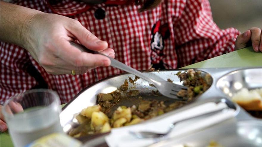Aumentan las regiones que tras el 24M anuncian comedores escolares en verano