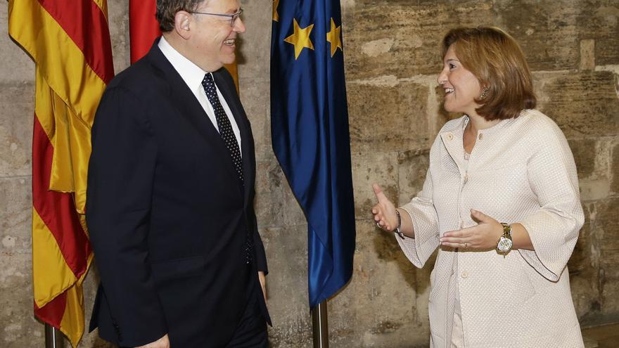 El president de la Generalitat, Ximo Puig, junto a la presidenta del PPCV, Isabel Bonig