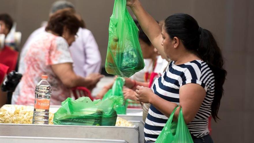 La Cámara de Representantes de Puerto Rico, un Estado libre asociado a EE.UU., aprobó el proyecto de ley que prohíbe el uso de plásticos de un solo uso en todo establecimiento comercial, de venta y distribución autorizado.