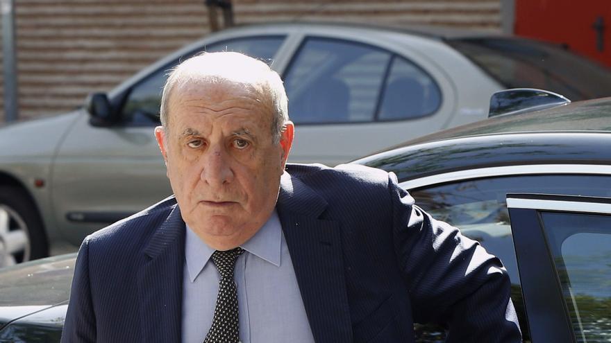 César Álvarez, a su llegada a la junta de accionistas de El Corte Inglés de 2015. EFE