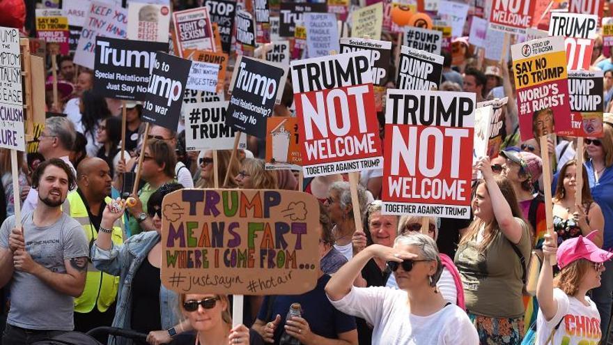 Disfraces y proclamas reivindicativas en Londres contra la visita de Trump