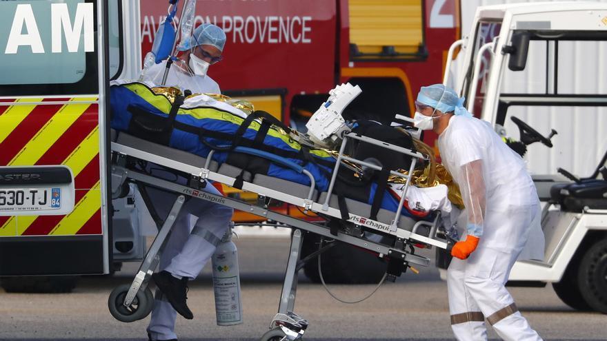 Francia supera los 74.000 muertos y siguen aumentando las hospitalizaciones