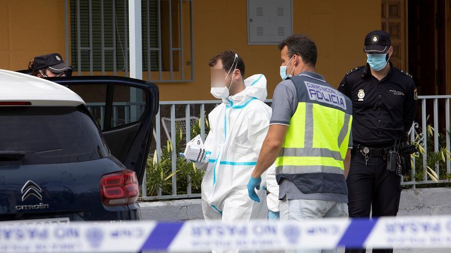 La detenida por matar a la mujer con la que convivía se entregó a la Policía