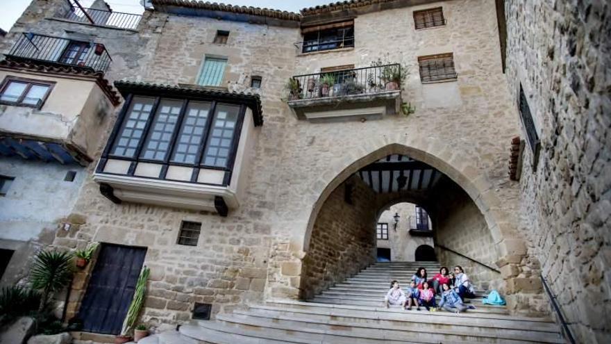 Calaceite, en la Comarca del Matarraña, está considerado como uno de los pueblos más bonitos de España.
