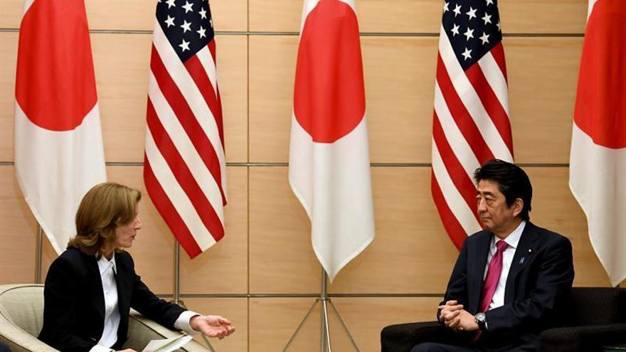 Shinzo Abe viaja a Pearl Harbor para impulsar la reconciliación Japón-EEUU