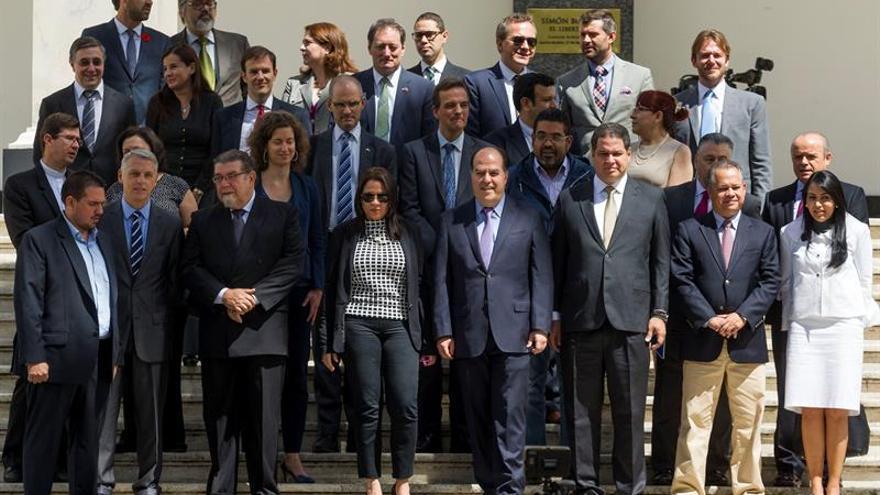 El Parlamento rechaza la reestructuración de la deuda venezolana sin su aprobación