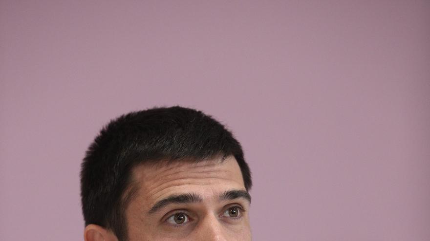 Ramón Espinar pretende seguir como portavoz de Podemos en el Senado