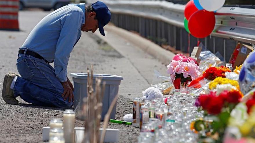 Fallece otra persona y suben a 22 los muertos en la matanza de El Paso en EE.UU.