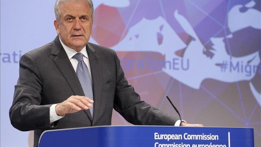 La CE autorizará viajar a la UE sin visado en siete países del Caribe y viceversa