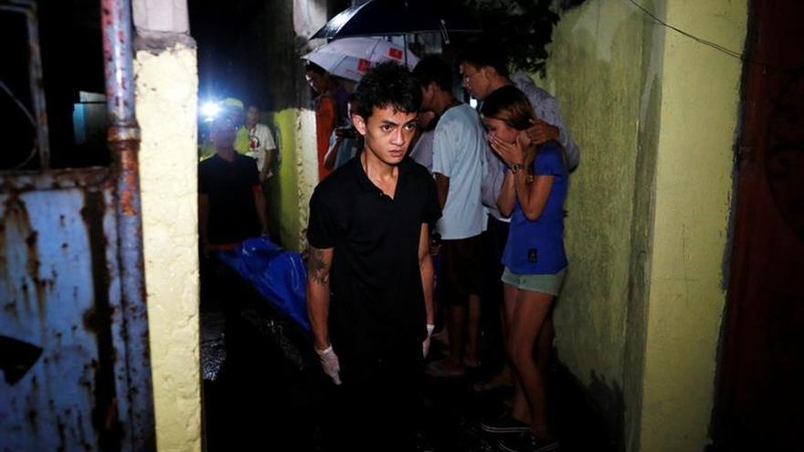 """Filipinas considera un """"éxito"""" su sangrienta guerra contra las drogas"""