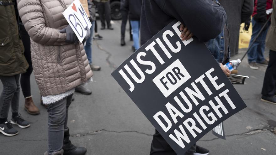 La policía que le disparó al joven Wright, acusada de homicidio involuntario