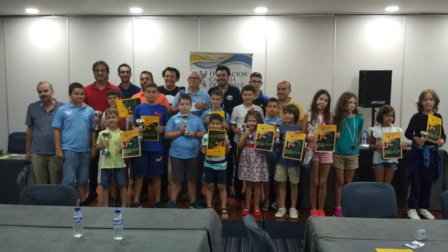 Imagen de los premiados en el torneo.