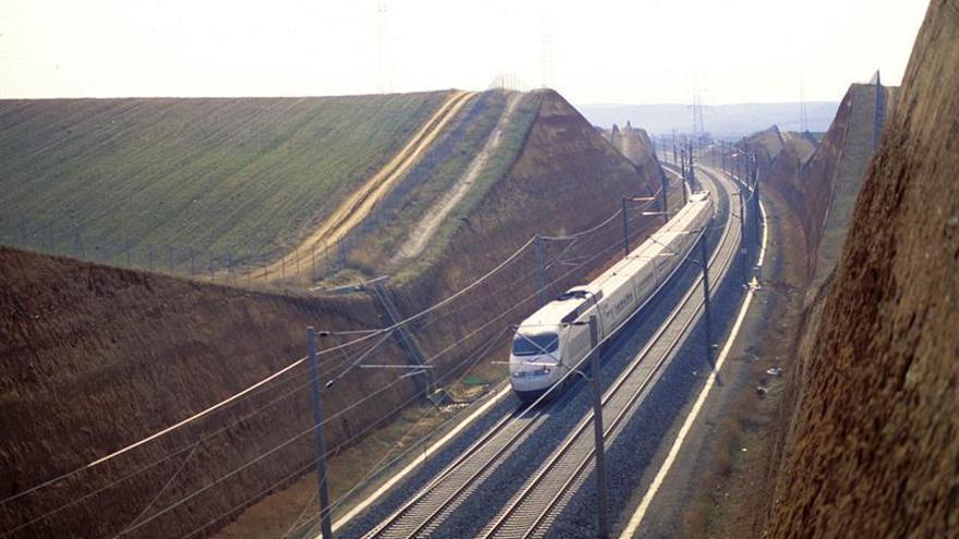 El AVE Madrid-Sevilla, 25 años de un viaje que cambió el transporte en España