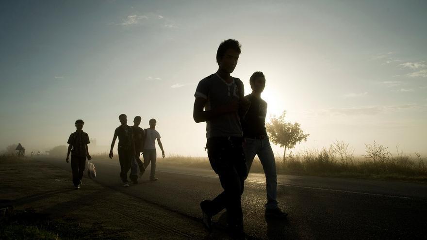 Un grupo de inmigrantes en Grecia  © Mathias Depardon