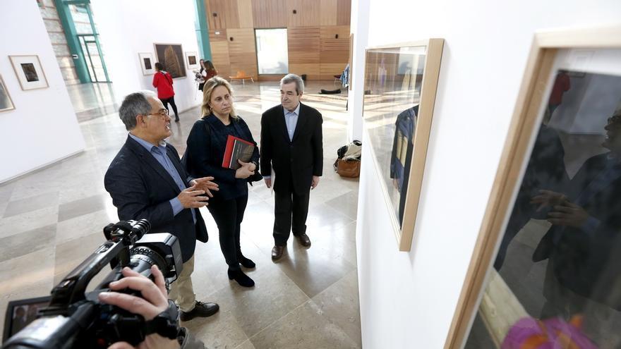 """Miguel Ángel García lleva a la Biblioteca Central su 'Paisaje inacabado' de una India en """"construcción"""""""