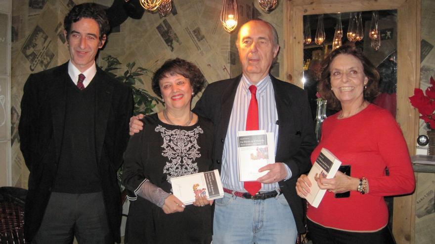 Presentación del libro de la poesía completa de Eduardo García.