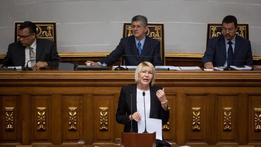 Diputados opositores venezolanos solicitan renuncia de la fiscal general