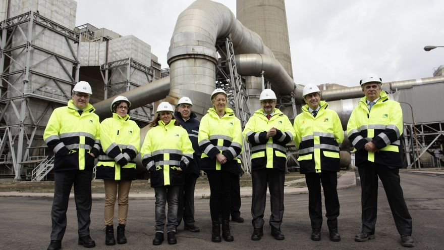 Visita a la central de Andorra del presidente de Aragón y la consejera de Industria en marzo de 2016.