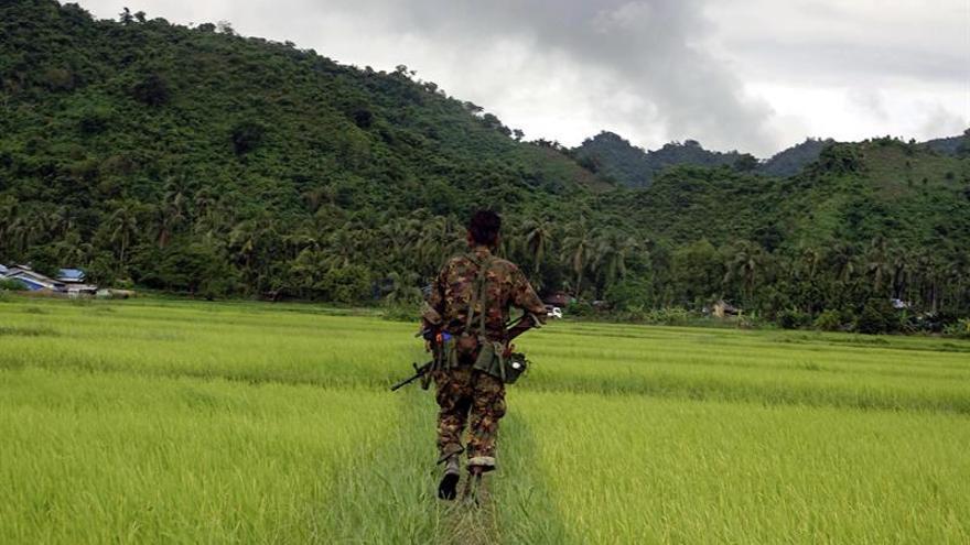 Birmania eleva a 89 los muertos en el ataque de rebeldes rohinyá