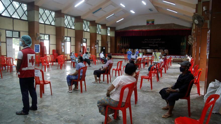 Birmania, desbordada por la covid-19 seis meses después del golpe militar