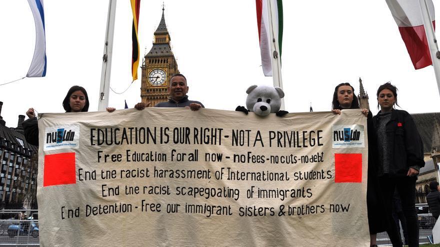 Los manifestantes en el distrito de Westminster, donde se encuentra el Parlamento, en Londres. Foto: Maruxa Ruiz del Árbol
