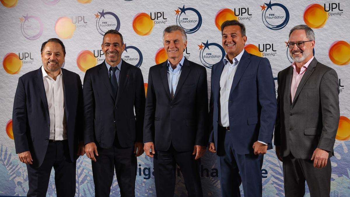 La última foto de Mauricio Macri en Twitter (del 11 de octubre de 2021) al anunciar un acuerdo entre FIFA y UPL, compañía de soluciones agrícolas.