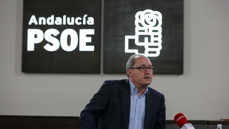 """El PSOE andaluz exige una rectificación inmediata de Cifuentes tras sus """"falsedades"""" sobre la financiación de Andalucía"""