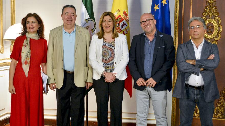 Pacto con los sindicatos para la recuperación de la jornada de 35 horas firmado el pasado mes de junio.