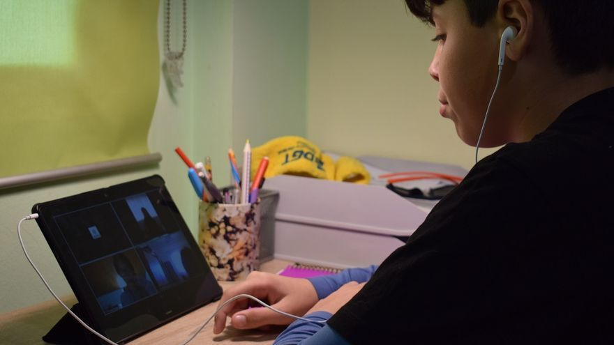 Jordi durante una de las clases 'on-line' de inglés.