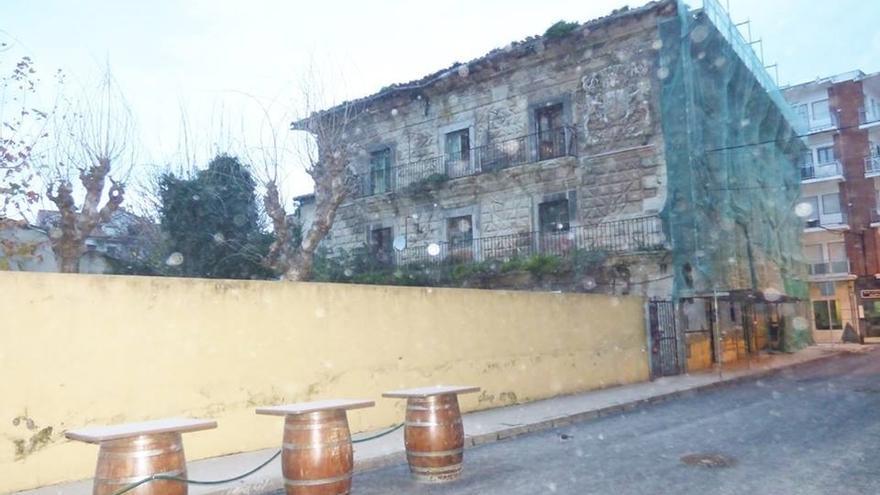 Denuncian ante la Guardia Civil el estado de abandono del palacio de Chiloeches