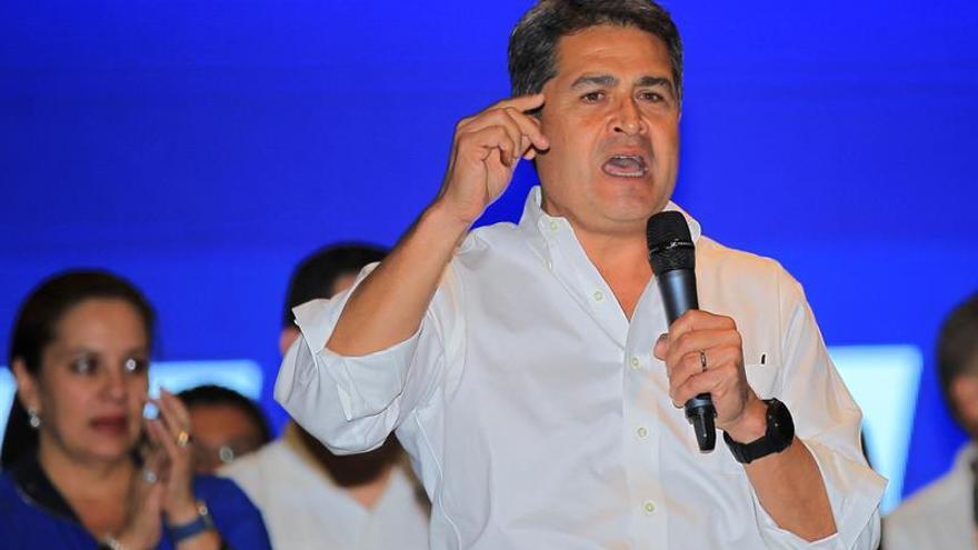 Hernández no descarta que asesores internacionales participen en un diálogo nacional