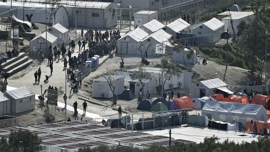 Lesbos insta a las ONG a irse de Kara Tepé por ayudar a construir un nuevo campamento