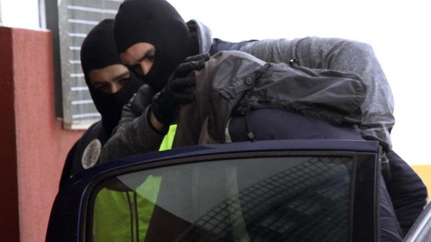 Detenidos en Ceuta por captar yihadistas pasan a disposición judicial mañana