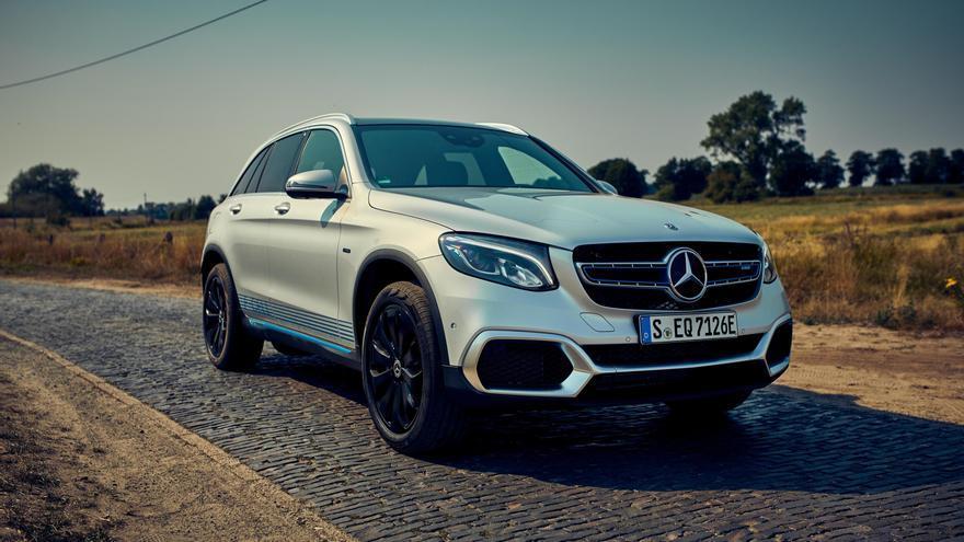 Mercedes entregará las primeras unidades del GLC F-Cell en algunas ciudades alemanas.
