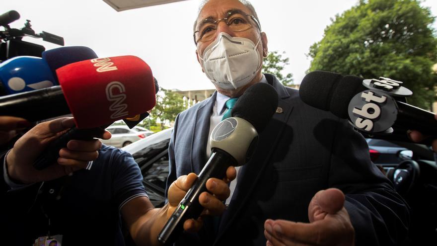 El nuevo ministro de Salud aclara que la política anticovid la dicta Bolsonaro