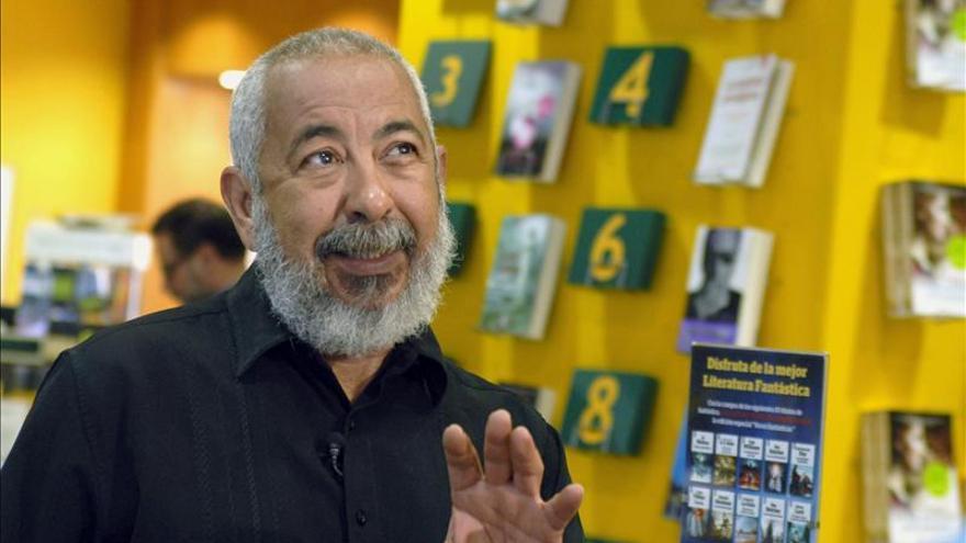 Leonardo Padura cree que el futuro de Cuba aún no está escrito. Foto: Efe