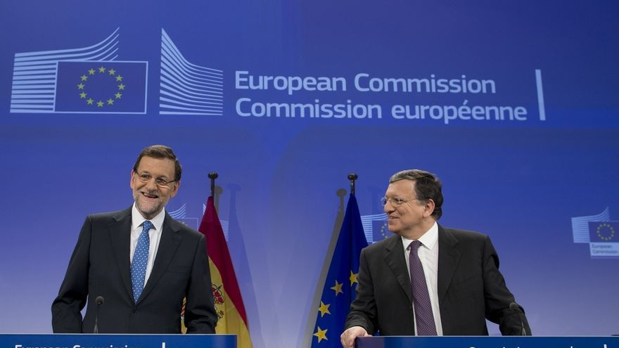 """Rajoy advierte a Mas de que se cumplirá la ley y censura que insista en su """"viaje hacia la Edad Media"""""""