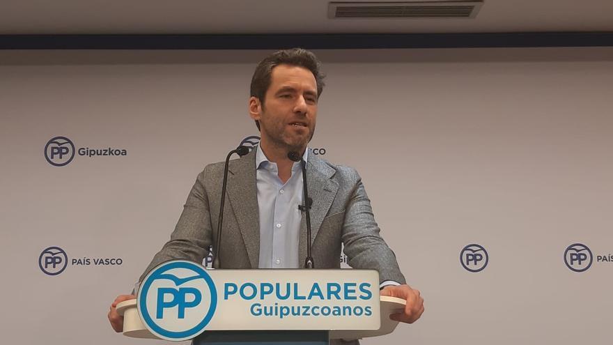 Borja Sémper durante la rueda de prensa en la que ha anunciado su retirada de la política