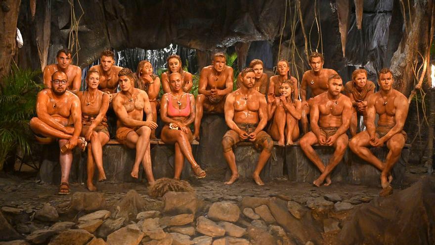 Los concursantes de 'Supervivientes', embadurnados en barro