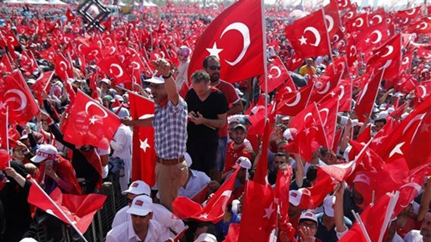 Manifestación contra el fallido golpe de Estado en Turquía