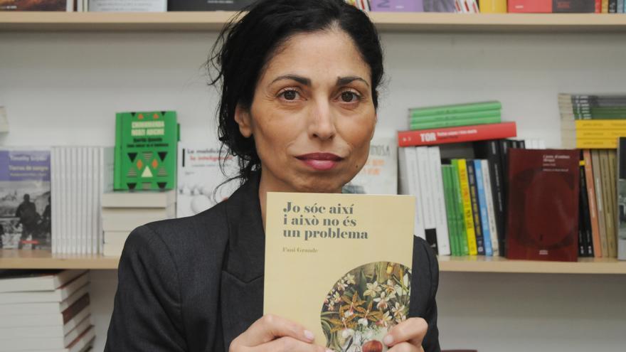 Fani Grande, periodista y escritora, en la feria del libro