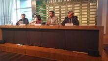 'Las huellas en la tierra' recopila las intervenciones en fosas comunes del franquismo en Andalucía