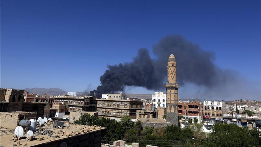 La coalición dirigida por Riad lanza nuevos ataques en Yemen horas antes de la tregua