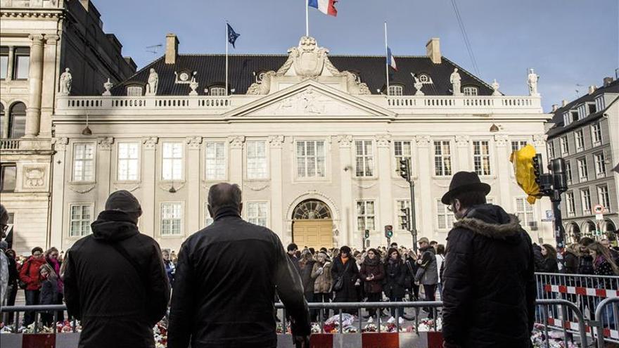 La Policía danesa eleva el nivel de alerta interna tras los atentados de París