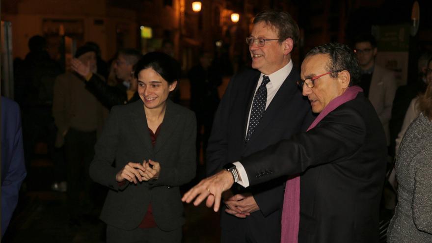 El presidente de la Generalitat, Ximo Puig, con Javier Moll, presidente de EPI, y la directora de 'Levante-EMV', en el 40 aniversario del grupo mediático.