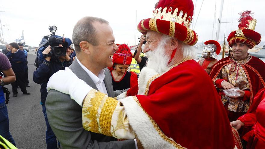 Augusto Hidalgo recibe a los Reyes Magos (CANARIAS AHORA)